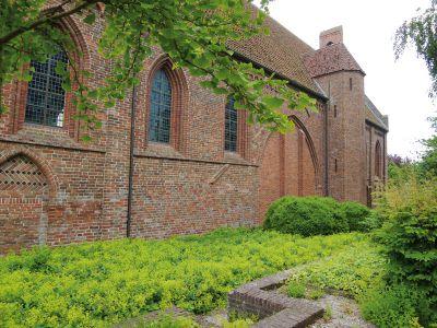 Kloostermuseum aduard abdijkerk zijaanzicht