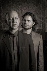Ernst Reijseger en Harmen Fraanje. Foto: Krijn van Noordwijk