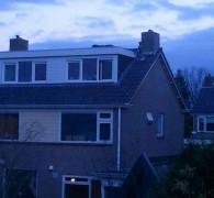 Jongen slaapt op dak zuidhorn