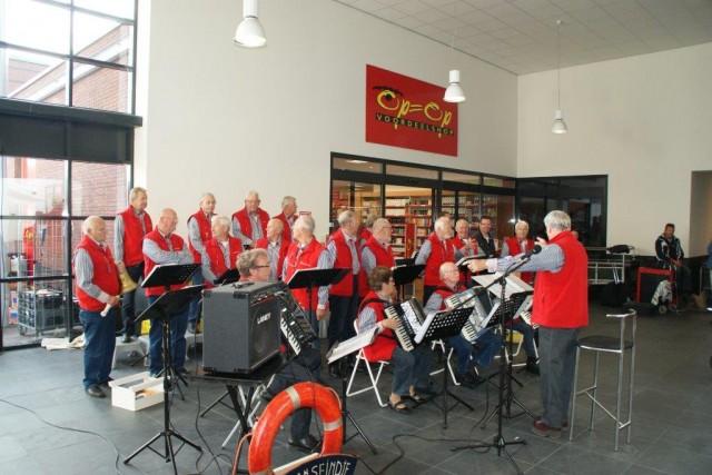 kom-in-zuidhorn-feest 2015 (10)