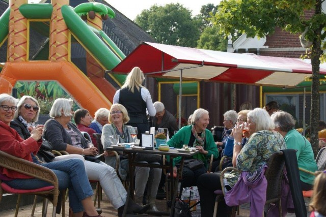 kom-in-zuidhorn-feest 2015 (7)