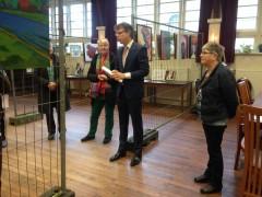 Aad van der tuuk  opent expo grijpskerk