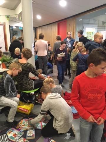 Boekenmarkt brede school (2)