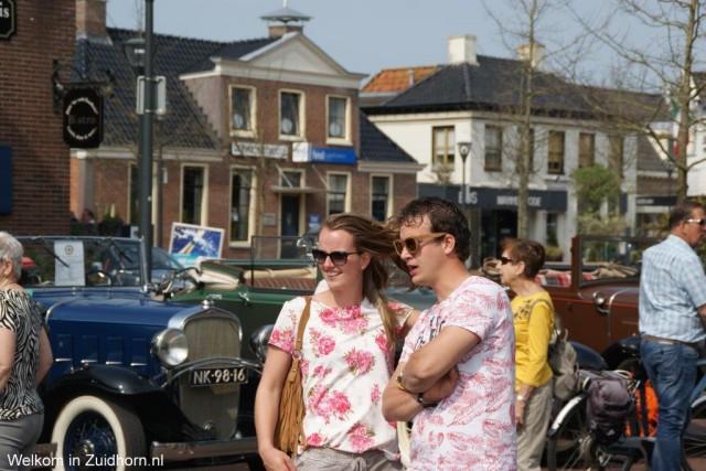 Oldtimers overspoelen Zuidhorn