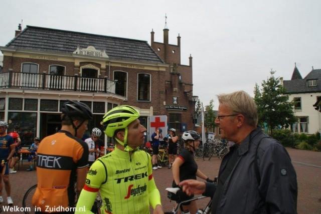"""Bauke ontspannen in Zuidhorn """"Even mijn oude leraar begroeten"""""""