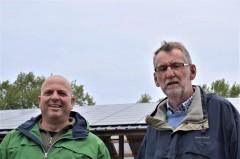 Wooncoaches klaas jansen en roelof robbertsen voor zonnepanelen van een energiecooperatie (2)