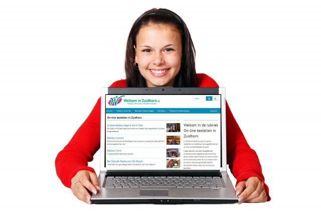 Laptop vrouw welkominzuidhorn