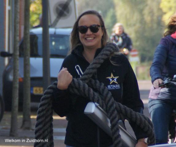 Anna laat Zuidhorn in beweging komen met wandeltocht