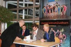 Nieuws-2011-ondertekening-zwemcentrum